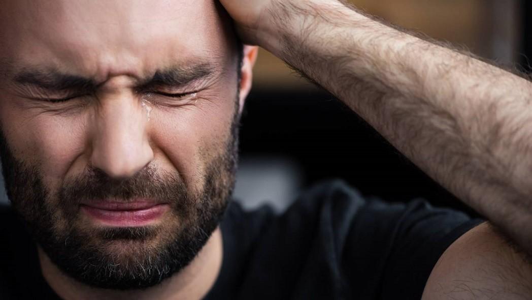 """""""Quiero llorar pero no sé cómo hacerlo"""": por qué se bloquean las emociones"""